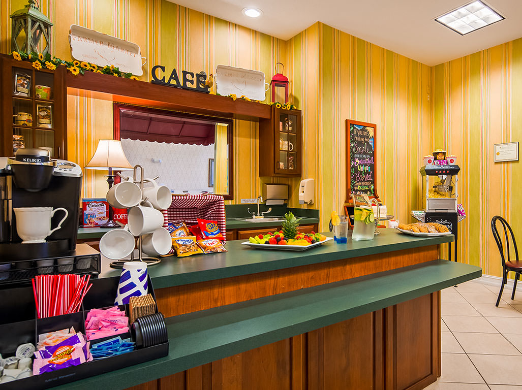 Snack and Coffee Bar