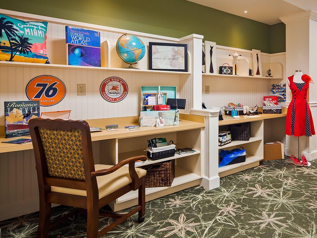 Private Desk Area