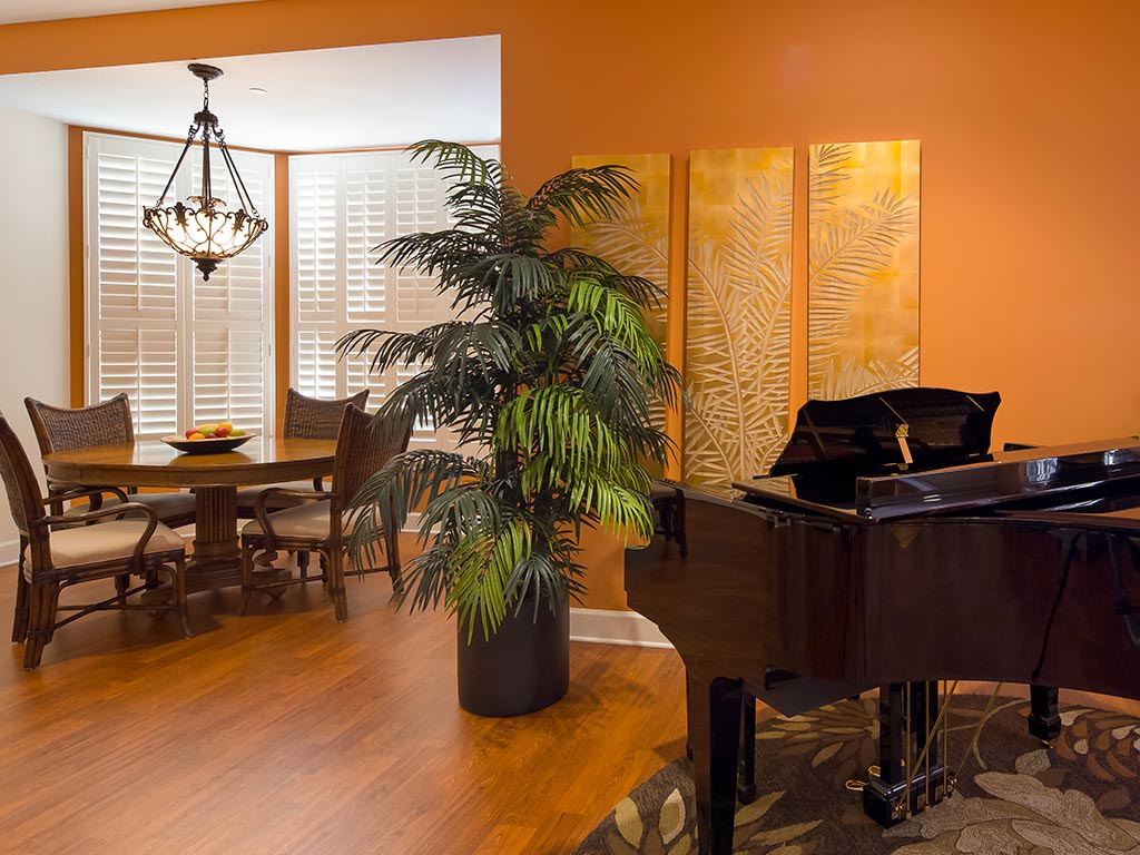 Private Dining Room and Piano