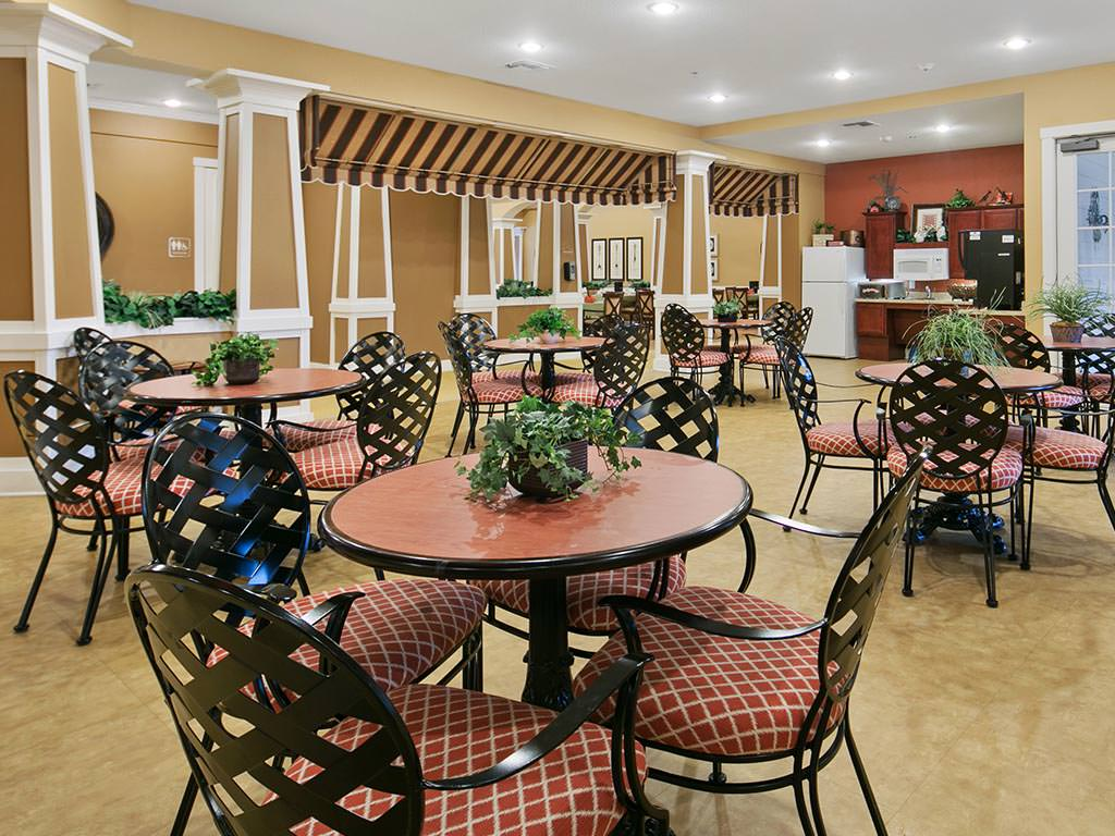 Casual Dining Area