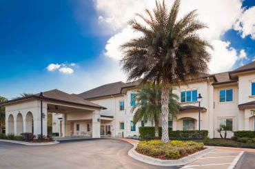 Welcome to a comfortable, social lifestyle at The Windsor of Palm Coast.